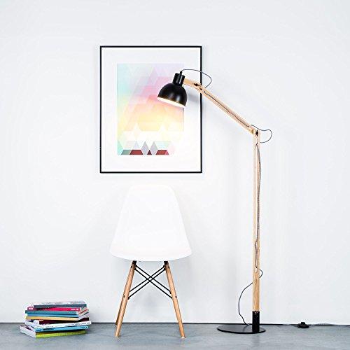 moderne stehleuchte im nordic look mit textilkabel und gestell aus holz 1x e27 max 40w holz. Black Bedroom Furniture Sets. Home Design Ideas