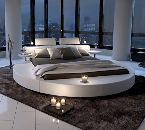 SAM® Polsterbett in weiß, Rundbett mit gepolstertem Kopfteil, Beleuchtung und zwei Nachttischablagen, Bettgestell auch als Wasserbett verwendbar, 180 x 200 cm [521477]