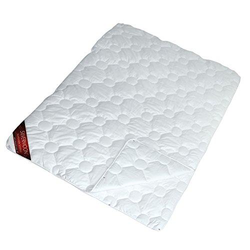 Silvermoon 4001626019465 Komfort 4 Jahreszeiten Steppdecke, Baumwollhülle gefüllt mit silikonisierter Polyester Hohlfaser, 135 x 200 cm